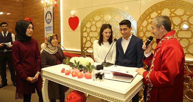 Şahinbey, 14 Şubat'ta 3.5 dakikada bir nikah kıydı