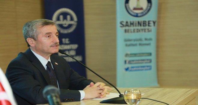 Şahinbey Belediyesi 48 öğrenciyi Umre'ye gönderiyor