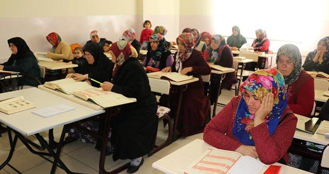Şahinbey'de Kur'an-ı Kerim'i öğreniyorlar