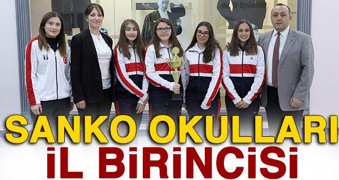 Sanko okulları yıldız kızlar tenis takımı il birincisi