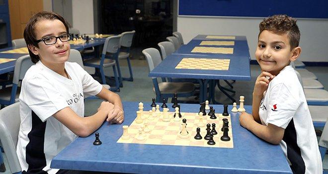Sanko okullarının satranç ustaları madalya ile döndü
