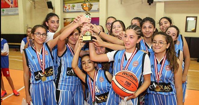 Şehitkamil'de şampiyonlar kupaları müzelerine taşıdı