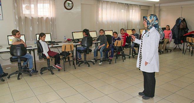 Şehitkamil'den öğrencilere bilgisayar eğitimi