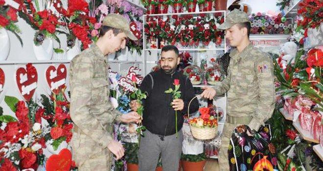 Sevgililer Günü'nde şehit ve gazi ailelerine ücretsiz çiçek
