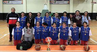 Sanko Okulları kız Basketbol takımı il ikincisi