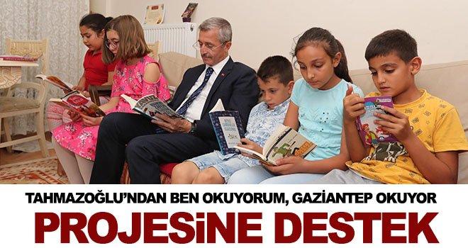 Tahmazoğlu, Dinleyici ailesi ile birlikte kitap okudu