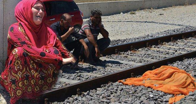 Trenin ezdiği küçük kızın ölümü yürekleri dağladı