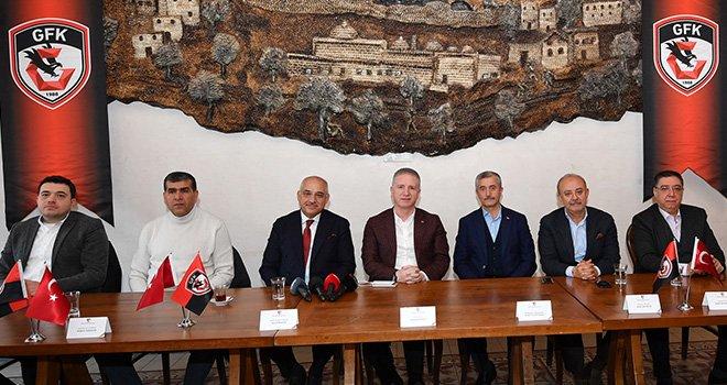 Vali Gül'den Gaziantep FK oestek