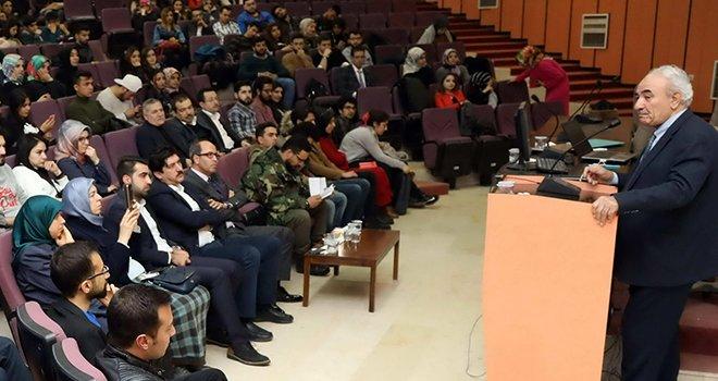 Yazar Vakkasoğlu'ndan İstiklal Mücadelesi konferansı