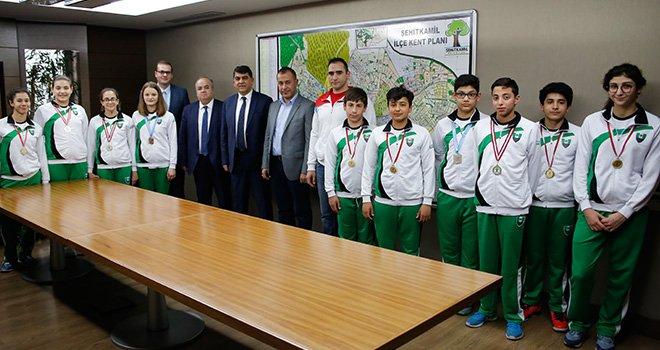 Yüzme milli takım kadrosuna Şehitkamil'den 4 sporcu çağrıldı